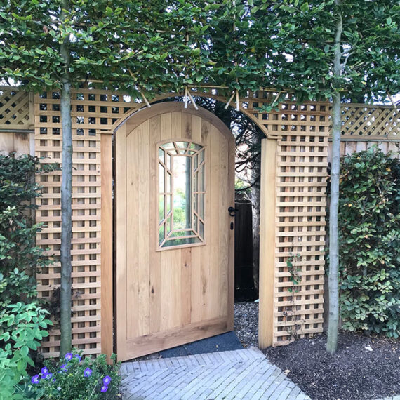 bespoke hardwood garden gate with trellis