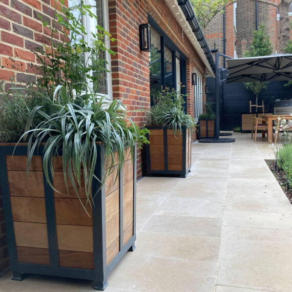 bespoke lincoln planters tapered steel frame