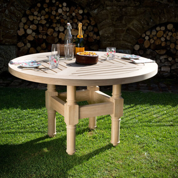 bespoke round table with drinks and snacks
