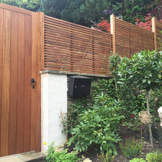 oxford planters linear trellis front