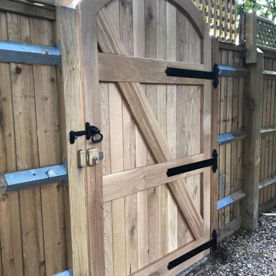 fitted oak gate