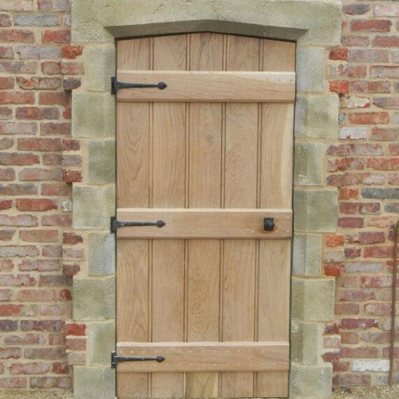 oak gate rear