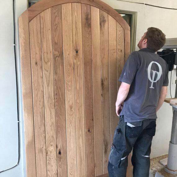 solid oak curved gate